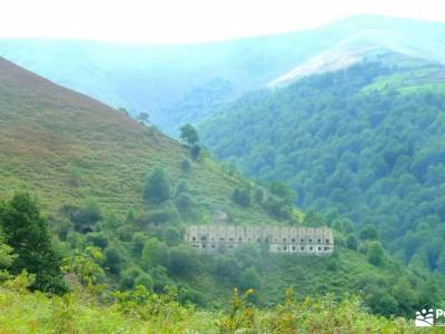 Senderismo Valles Pasiegos, Cantabria; viajes fines de semana rutas por sierra de madrid rutas sierr